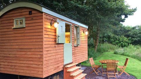 The Little Otchan Hut: Great Newsome Getaways!
